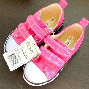 Toddler pink sneakers